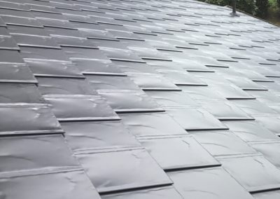 metal shake roof grey up close